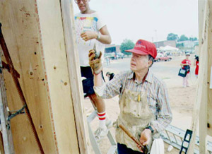 Jimmy Carter works on Habitat